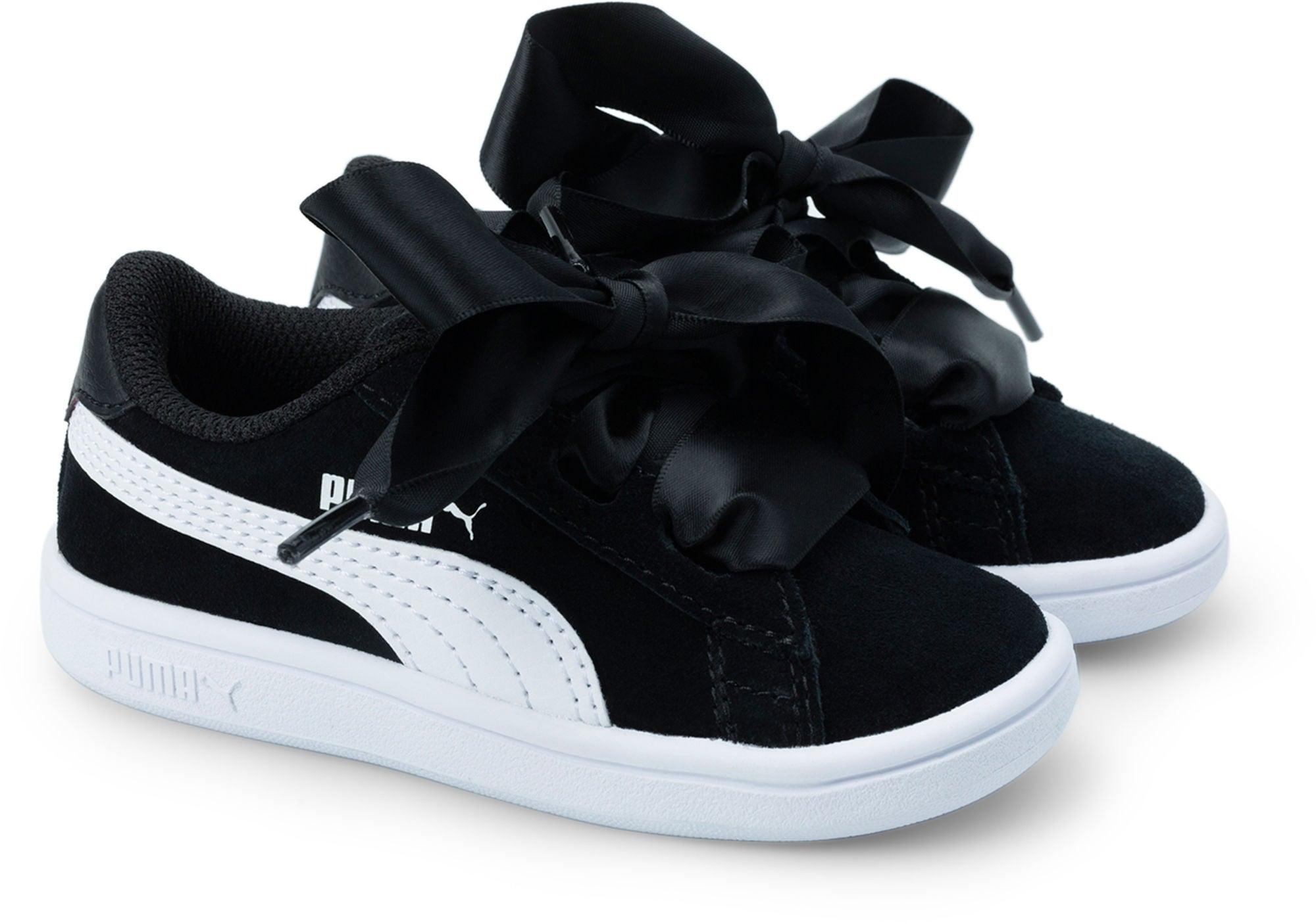 Kjøp Puma Smash V2 Ribbon AC Sneaker, BlackWhite | Jollyroom